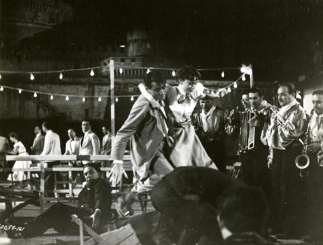 audrey_hepburn_in_roman_holiday_in_1953_28.jpg