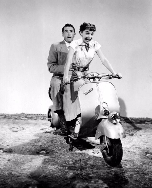 audrey_hepburn_in_roman_holiday_in_1953_44.jpg