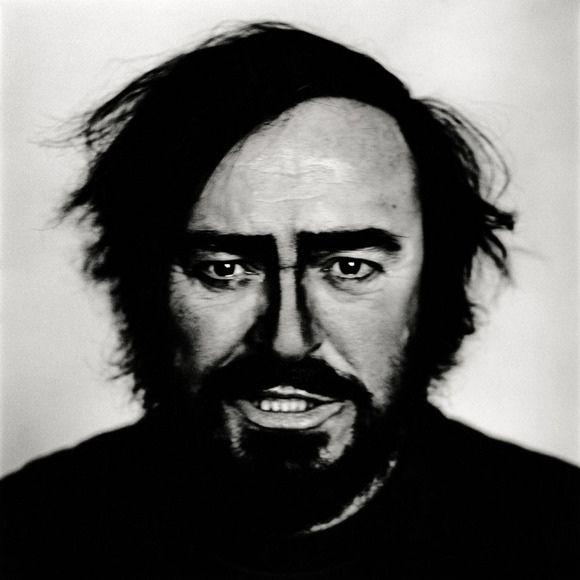 corbijn-pavarotti.jpg