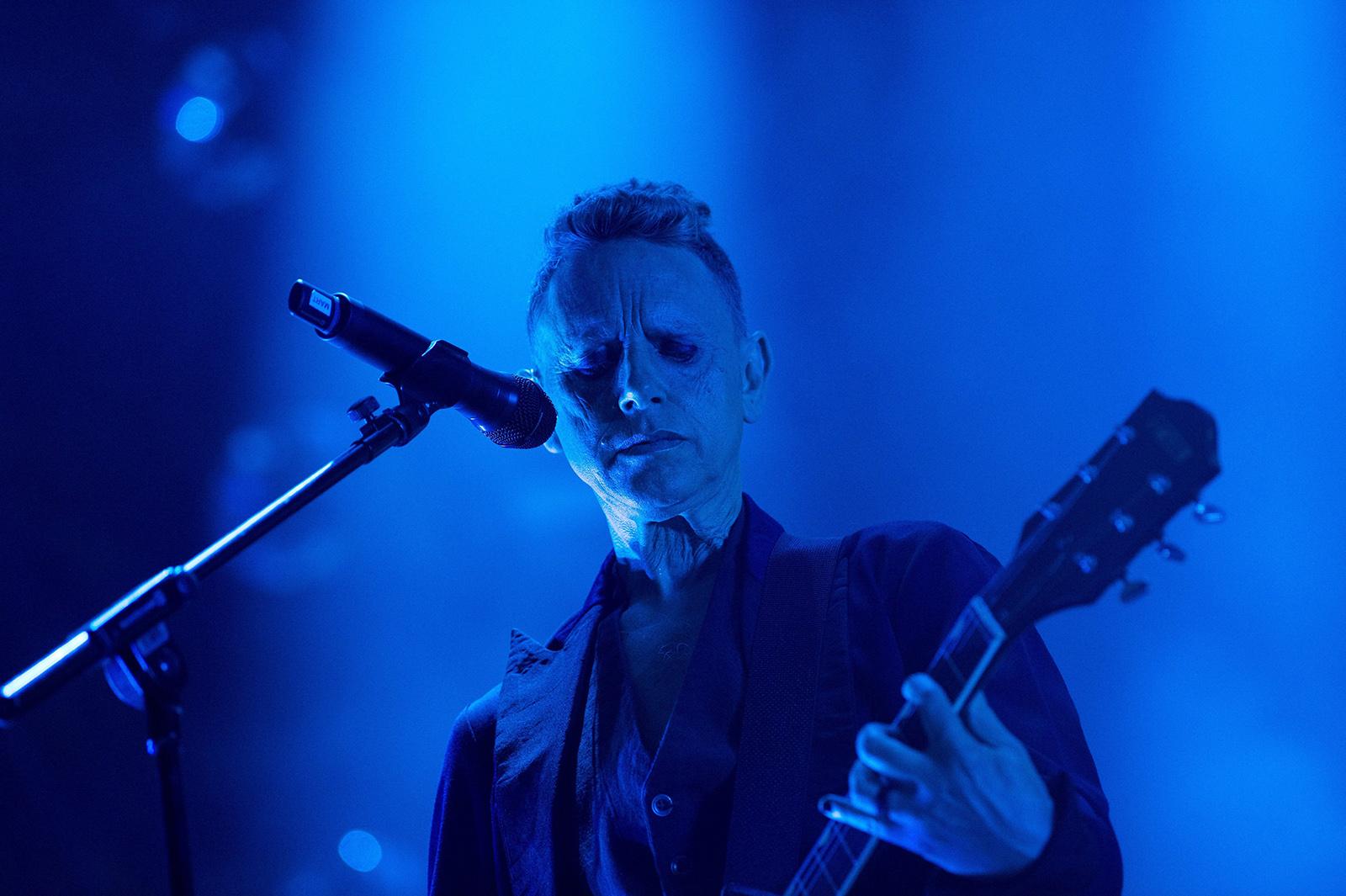 depeche-3.jpg