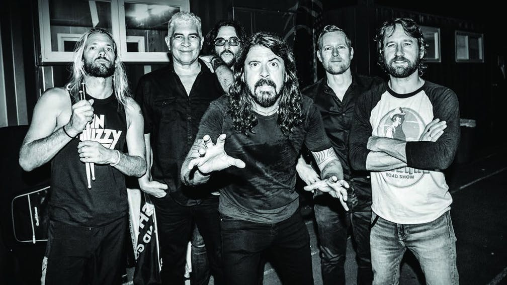 foo_fighters_live_tour_promo_2018.jpg