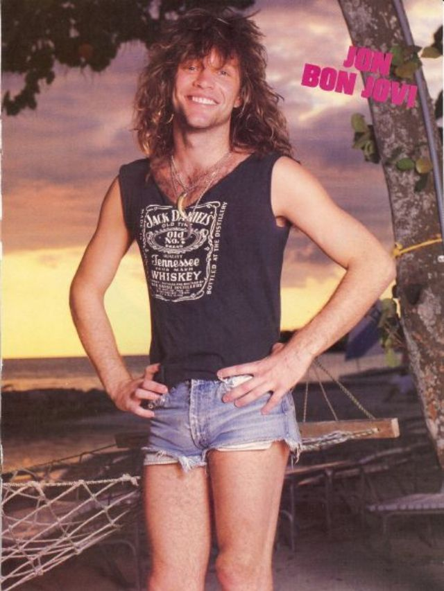 jon-bon-jovi-in-shorts-5.jpg