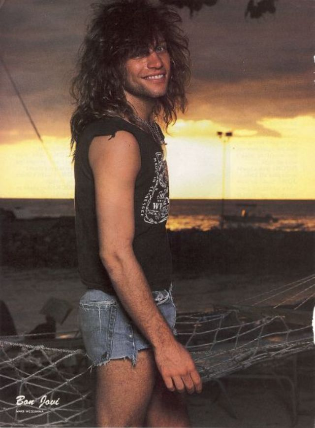 jon-bon-jovi-in-shorts-6.jpg