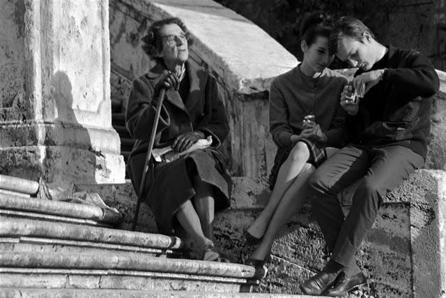 the-italians-by-bruno-barbey-33.jpg
