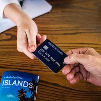 Hány bankkártya kell a nyaraláshoz?