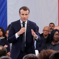 Nemzeti konzultáció francia módra