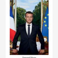 Macronos bögrét valaki? Avagy a francia elnök és webshopja