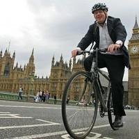Háromszázmilliárd bicikliútra