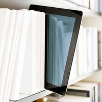 Olvasásforradalom – e-book vs. papír alapú könyv