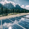 Hatékonyabb a hegyek közé telepített napelem