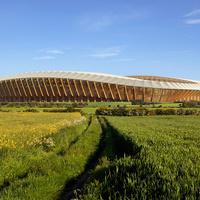Fából faragott futballstadion a labdarúgás őshazájában