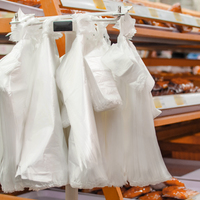 A műanyag zacskók betiltását tervezik Magyarországon