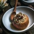 Zabkásával töltött alma juharszirupos barnavajjal, pirított törökmogyoróval