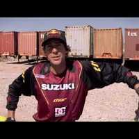 Cipőkerekű Suzukival motorozott Travis Pastrana - videó