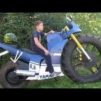 Őrült motorok (videó)