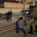 Londonban felére csökkentek a mopedes bűncselekmények