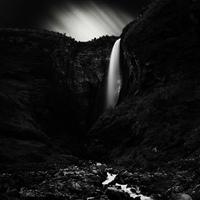 Massimo Margagnoni fekete-fehér képei vízesésekről
