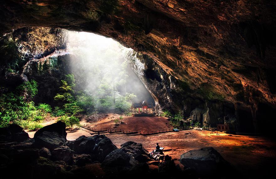 amazing-caves-13-2.jpg