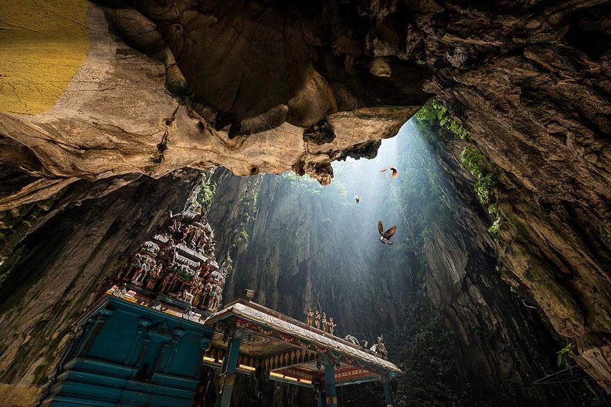 amazing-caves-3-1.jpg