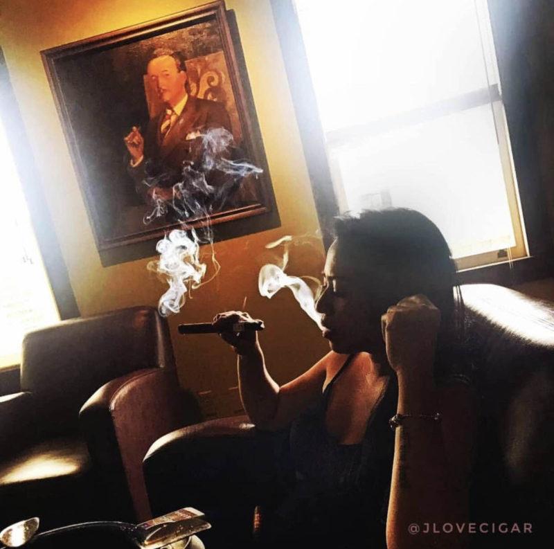 joana_gonzales_aka_jlovecigars_my_cigar_lady_2.jpg