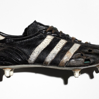 Híresek és Cipők