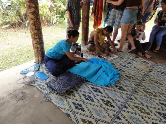 samoa-cultural-village-2.jpg