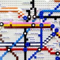 A londoni metrótérkép Legóból kirakva