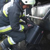 Üzemanyagra vadásznak a tűzoltók
