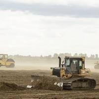Debrecen ajándékba adott 3 hektár földterületet Mészáros Lőrincéknek, hogy üzletelhessenek a BMW-vel