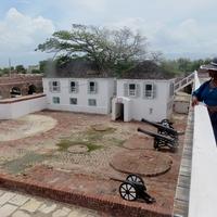 Tájkép földrengés és hurrikán után