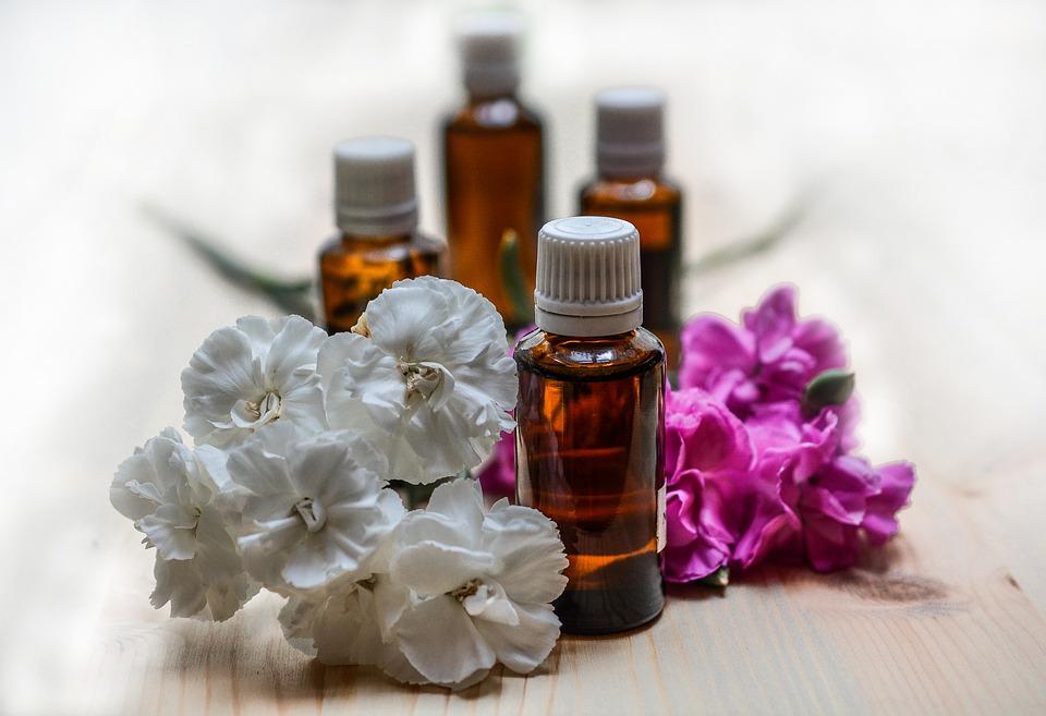 essential-oils-1433692_960_720.jpg