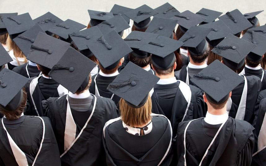 graduates_2912962k.jpg