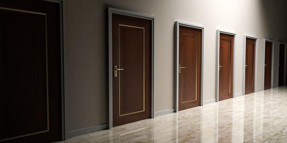 doors-1613314_960_720.jpg