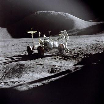 moon-993_340.jpg
