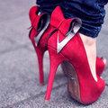 Hány cipője van egy nőnek?