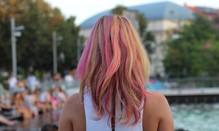 Nyár végi trend-robbanás - homokot a hajba!