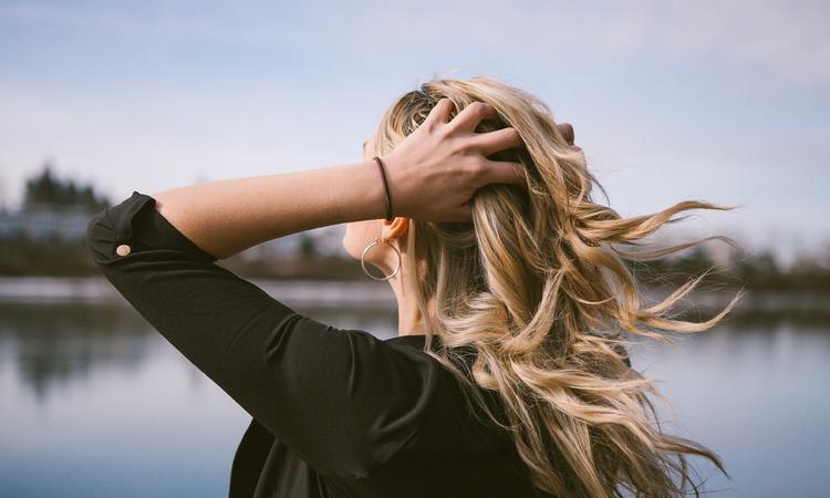 Egy igazi szőke igaz története a hajmegújításról