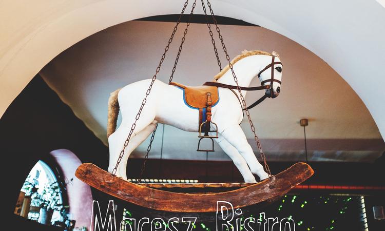 Macesz Bistro – Torrente is ide jár