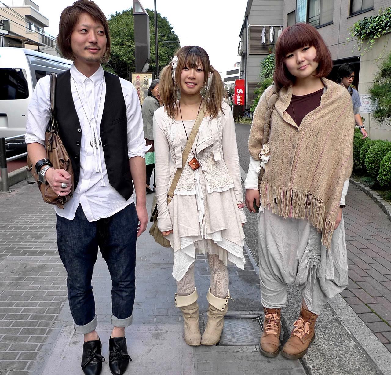 mori-girls-harajuku-10-2009-001_1.jpg