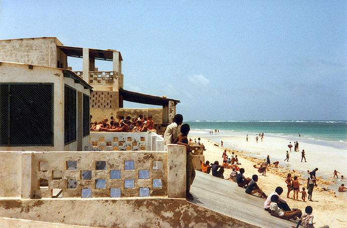 Mogadishu-Lido-Beach-1980s-Photo-credits-Somali-Cultural-and-Research-Center.jpg