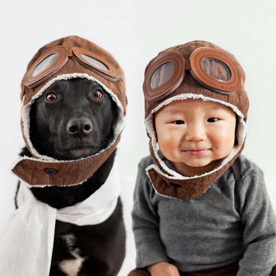 Mother-Takes-Adorable-Portraits-of-Her-10-Month-Old-Baby-and-Their-Rescue-Dog-001-550x550.jpg