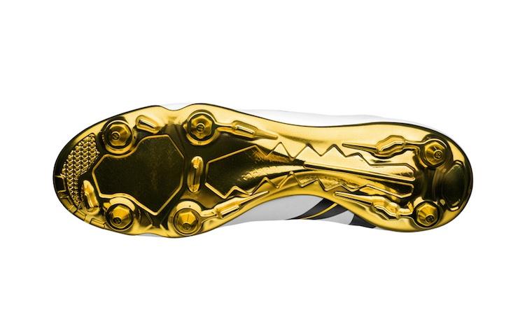 Nike-Mercurial-Vapor-IX-CR7-Special-Edition-4.jpg