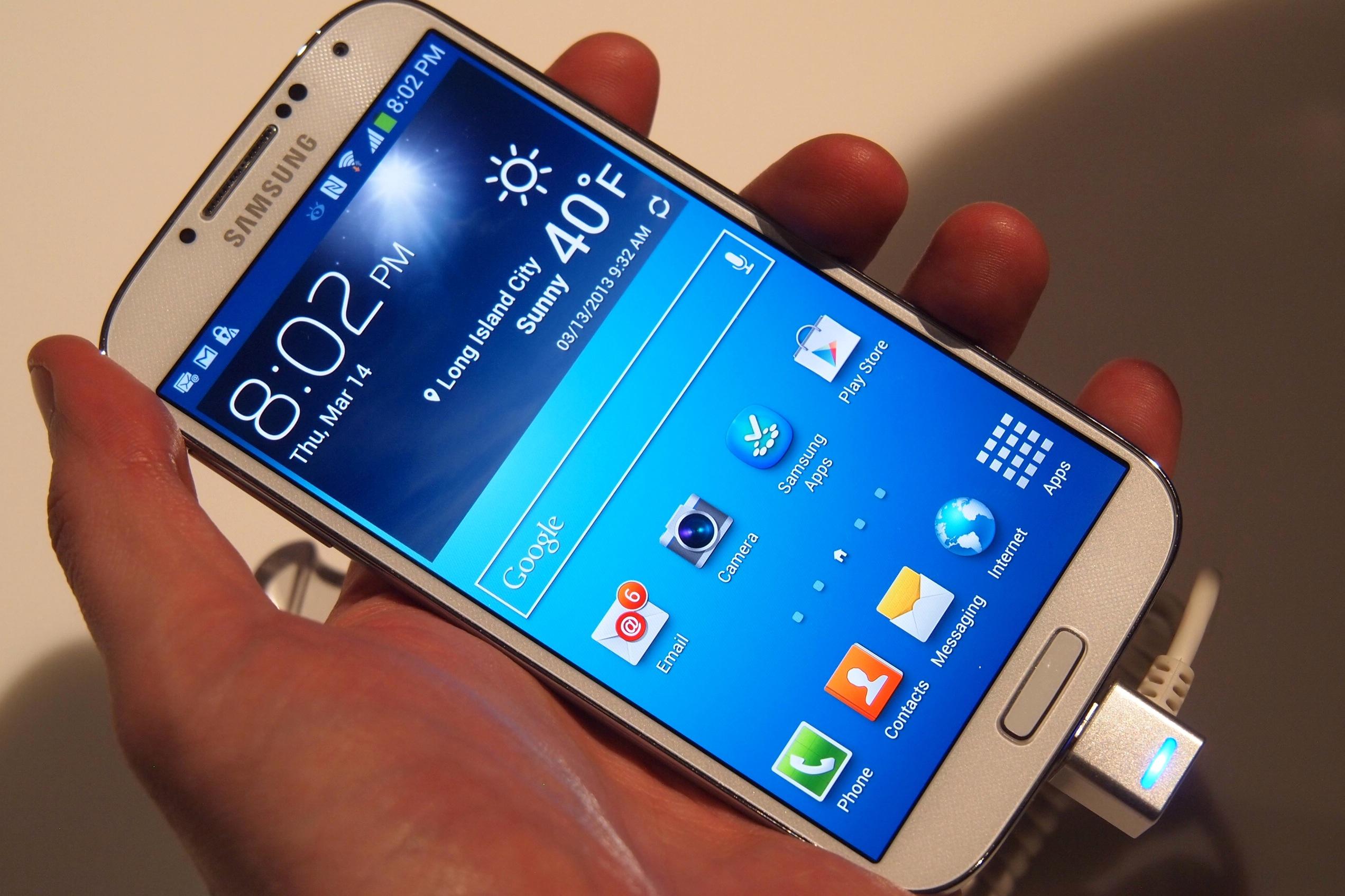 Samsung-Galaxy-S4-angled.jpg