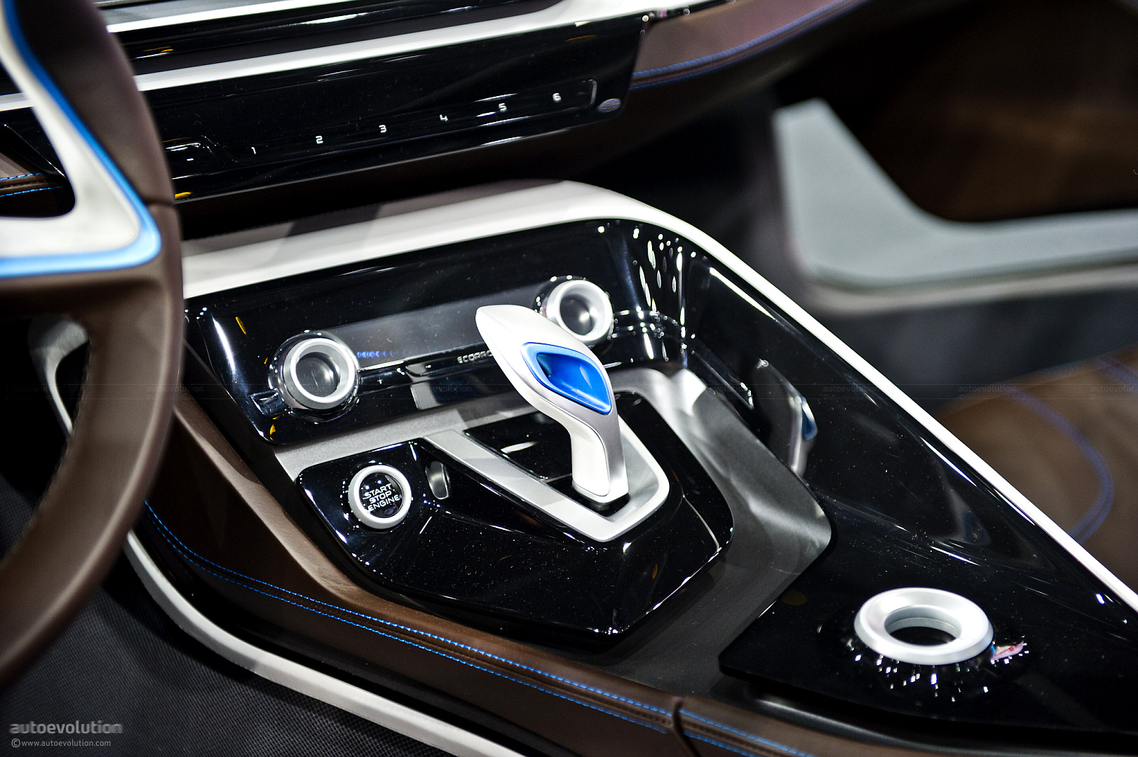 bmw-bringing-i3-and-i8-concepts-to-tokyo_8.jpg