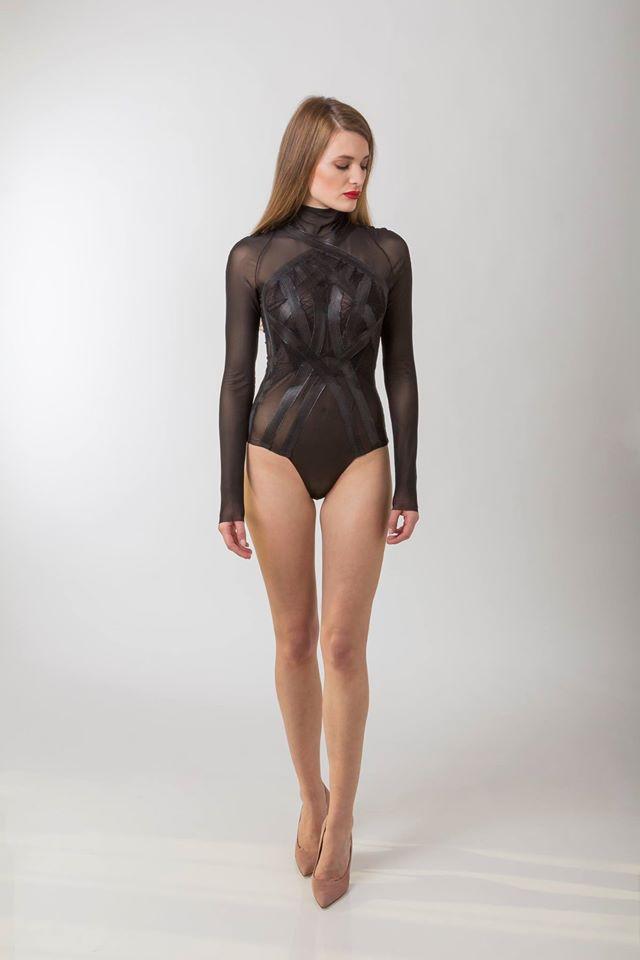 Fekete body: Elysian