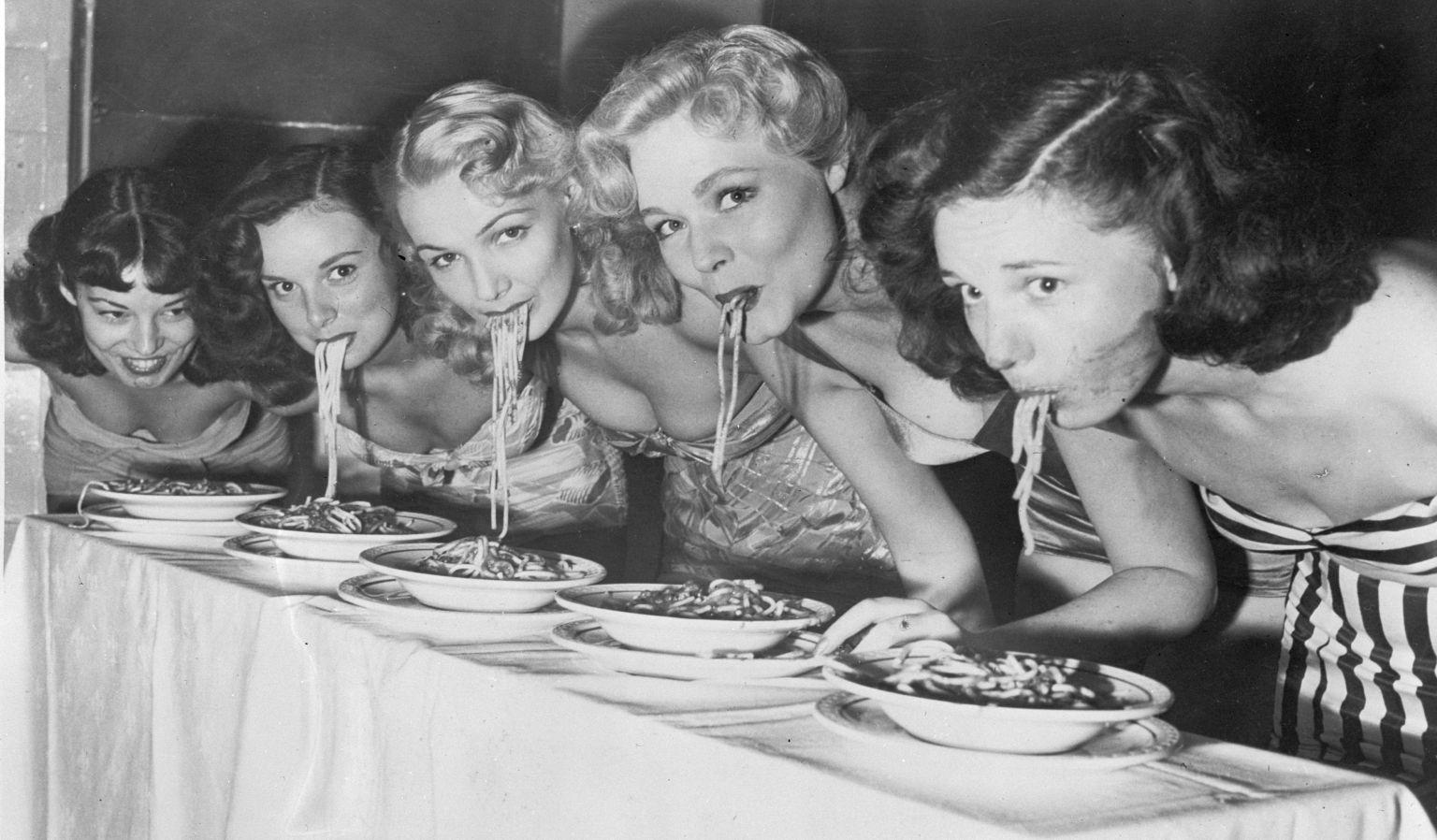 o-woman-eating-spaghetti-facebook.jpg