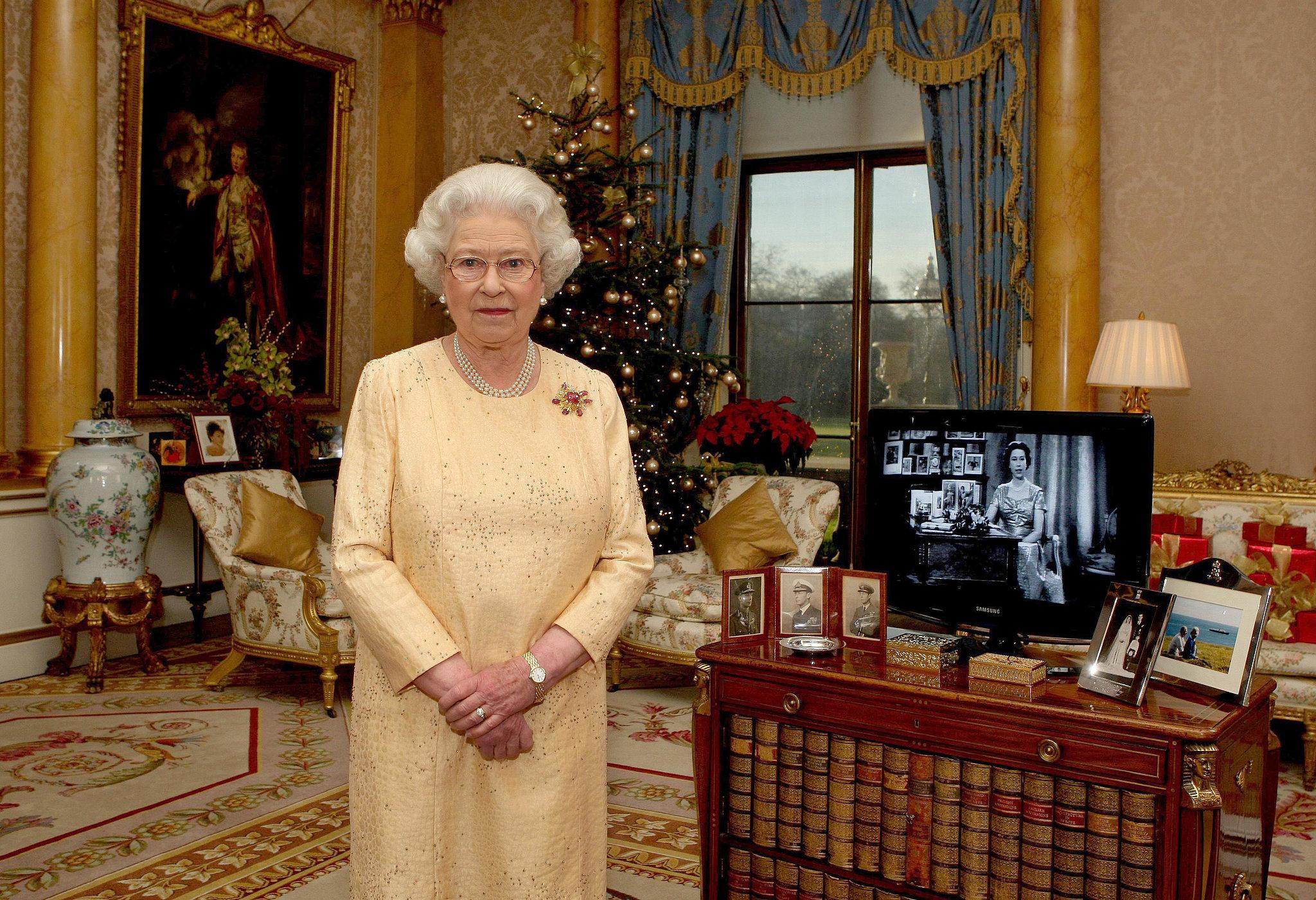 queen-elizabeth-ii-filmed-her-christmas-day-message-buckingham.jpg