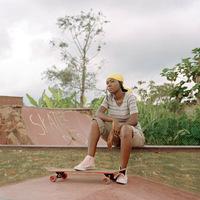 Yann Gross, Uganda szkétereknek