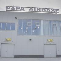 Utasterminál átadása Pápán a bázisrepülőtéren