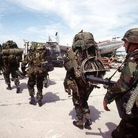 Túlterhelt katonák
